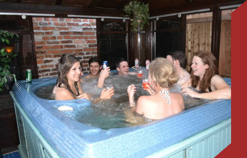 Little lodge Walcote hot tub/jacuzzi